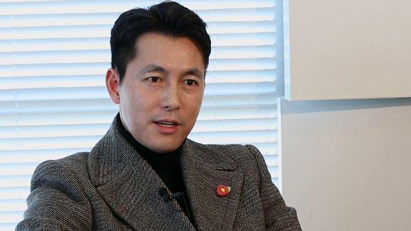 韩朝电影交流委员会成立 演员郑雨盛任委员