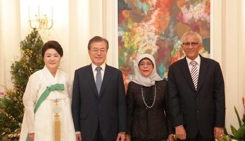 文在寅出席新加坡总统举行的欢迎宴会