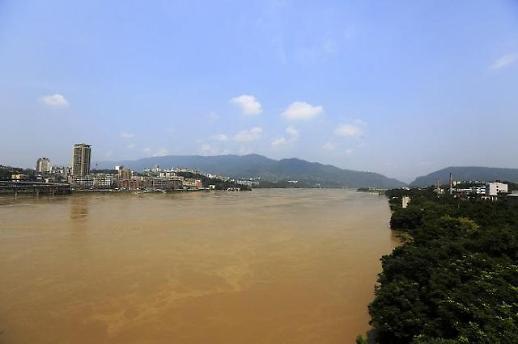 [중국포토] 물에 잠긴 도로...중국 곳곳 폭우 피해