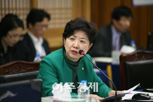 """""""외국인 건강보험 무임승차 그만""""…박인숙, 단기체류자 가입제한 추진"""