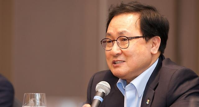 유영민 취임 1년 성적표…통신비 시장개입 A+, 규제개혁 F