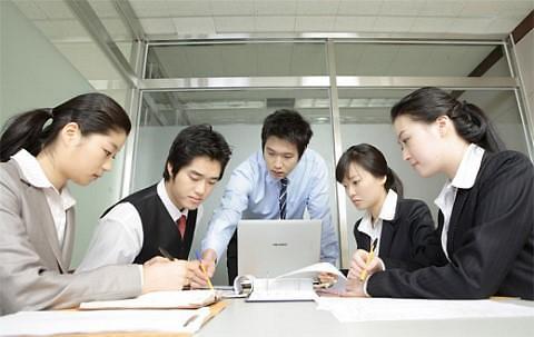 当上CEO迎娶白富美? 愈八成韩国上班族对升职高管没想法