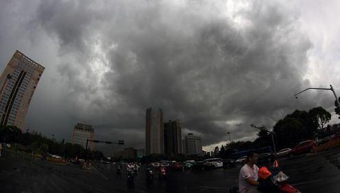 중국 에워싼 3개 태풍…곳곳서 폭우 피해