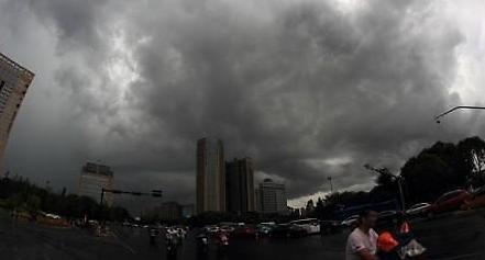 태풍 암필, 상하이 직접 강타…中 동부 38만명 대피