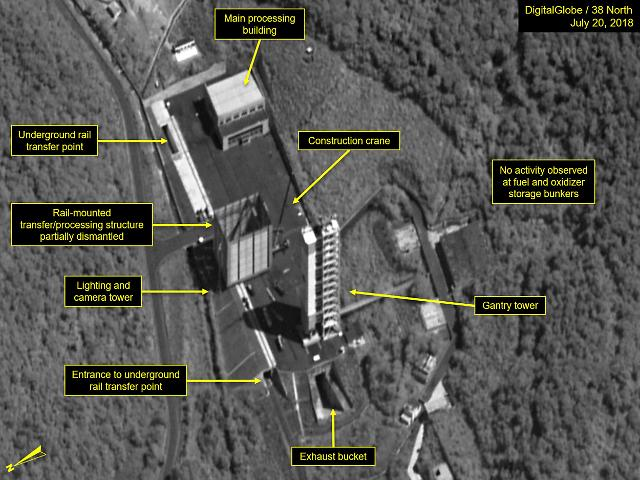 无核化新进展 朝鲜疑似拆除西海卫星发射场重型吊车