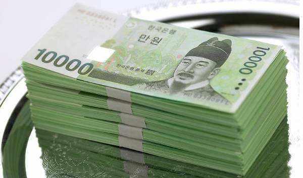 韩政府将扩大税收支出缩小贫富差距
