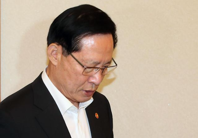 韩青瓦台重申尚未决定防长去留