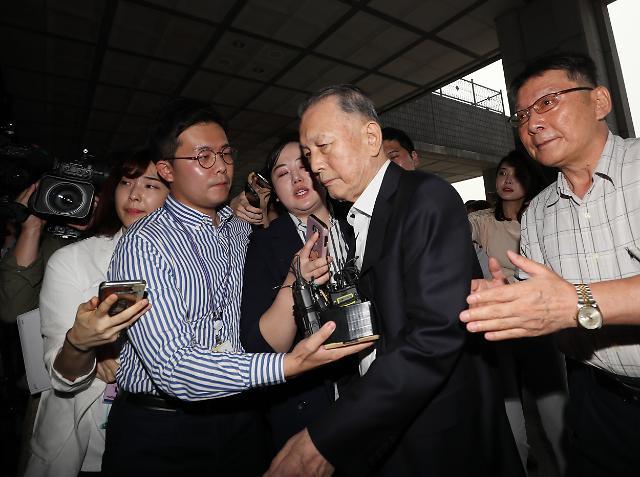 검찰, 석방 8일 만에 김기춘 소환...재판거래 의혹 조사