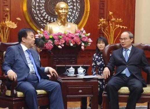 Chủ tịch tập đoàn SM Group Ông Woo Oh-huyn gặp gỡ Bí thư Nguyễn Thiện Nhân
