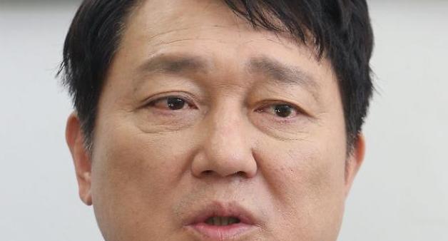 전당대회 특정 후보 공개지지, 신중하게 고민 중