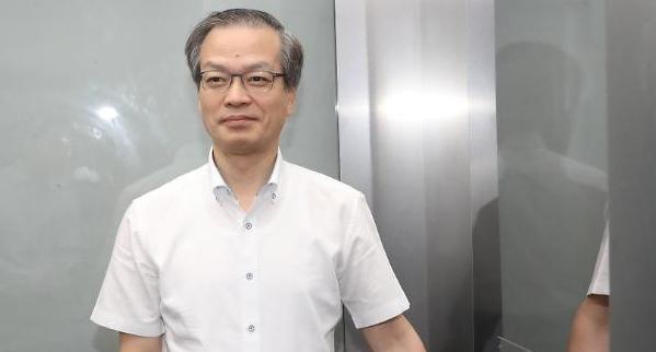 특검, 김경수 불구속 기소 '노선 수정'…재판서 '승부수'