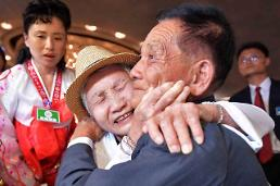 S. Korean leader demands frequent reunions for separated families
