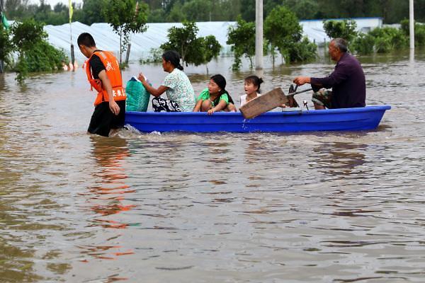 [중국포토] 태풍 룸비아, 사흘 폭우에 中 동북부 해안지역 초토화