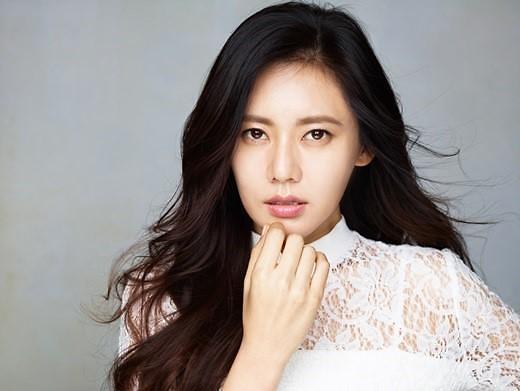 秋瓷炫产后复出特别出演tvN新剧《阿斯达编年史》