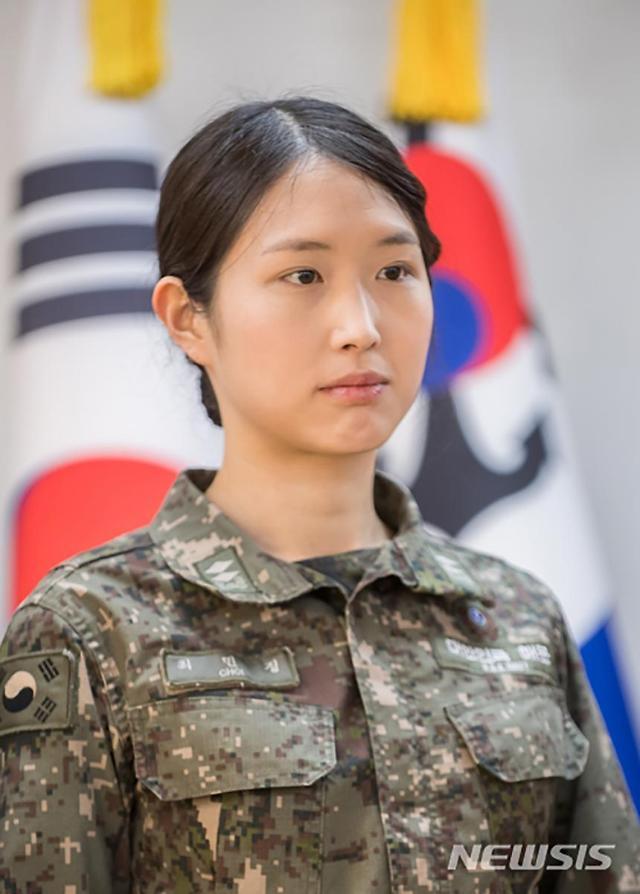韩国财阀女儿入职中国投资公司 北大毕业 海军退役