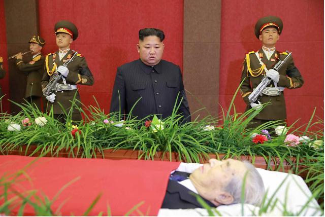 金正恩吊唁朝鲜导弹专家朱奎昌