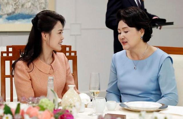 """韩朝""""第一夫人""""平壤再会 音乐外交增添看点"""