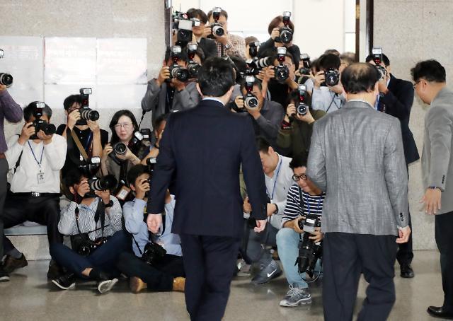 한국당, 제명 1년 박근혜 재평가 움직임…보수통합 물건너가나