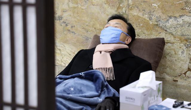 '퇴로' 보이지 않는 단식정국…바른미래 '실금'
