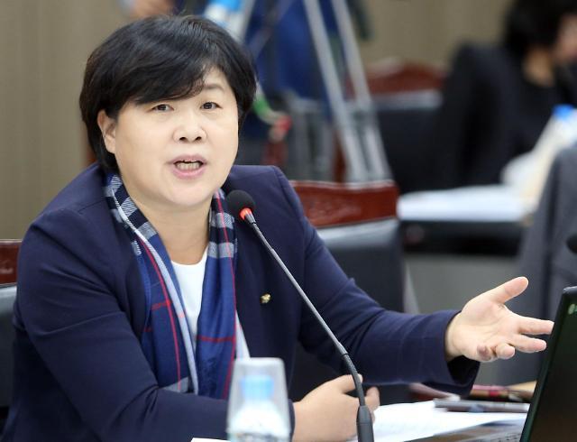 """'가족채용 논란' 서영교, 이번엔 판사 불러 """"벌금형 해달라"""" 청탁"""