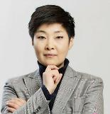 .S. Koreas professional baseball league introduces first female head .