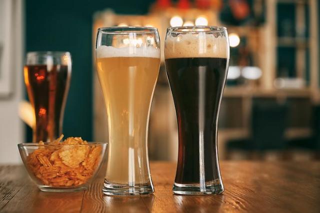 [아주 쉬운 뉴스 Q&A] 50년만에 주세법 바뀌면 '맥주값' 오르나요?