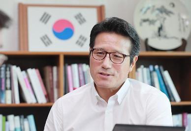 """[보수재건을 묻다-정병국①] """"與 180석 인정해야…103석 만큼만 하자"""""""