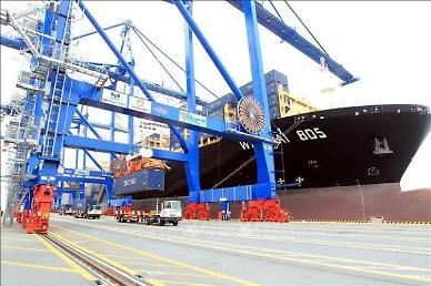 베트남, 무역흑자 규모 지속 확대...수출 1.6%↑·수입 2.2%↓