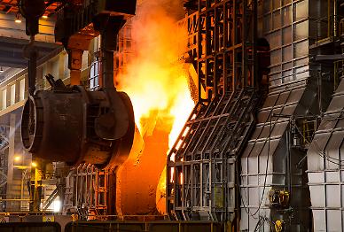 철광석 가격 급등에 일본은 저가 공세…철강업계 고심