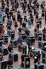 [코로나19] 유럽은 엉망진창…2차 확산 이미 시작
