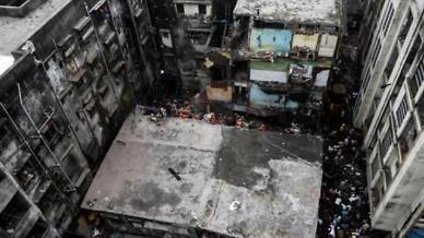 [슬라이드 뉴스]툭하면 와르르 반복되는 인도 건물붕괴...안전불감증이 火불렀다