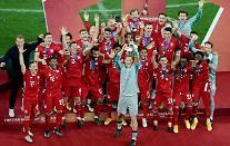바이에른 뮌헨, FIFA 클럽 월드컵 들어 올렸다