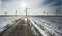 [재생에너지의 역설?] ①눈보라에 멈춰버린 美텍사스 풍력발전, 재생에너지 전환이 문제?