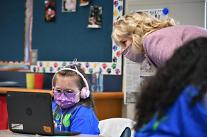 [잃어버린 세대의 탄생?] ②안전한 등교 필수 조건은?...학급 규모 줄이고, 교사 방역 철저히