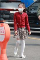 [포토] 김다현, 아직은 쑥쓰러운 출근길 현장