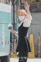 [포토] 웬디, 반가운 손인사