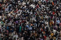 [중국포토] 노동절 황금연휴…2억6500만명 놀러간다