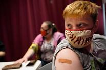 미, 화이자 백신 청소년 접종 시작...얀센-혈전증 인과관계 일부 긍정