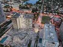 [종합] 99명 실종 플로리다주 비상사태 선언…12층 아파트 왜 무너졌나