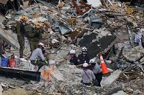 미국 플로리다 아파트 붕괴 사망자 16명…생사 미확인 147명