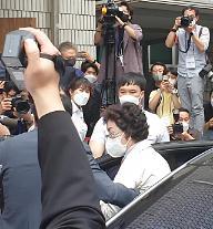 윤석열 前총장 장모, 징역 3년 법정구속(2보)