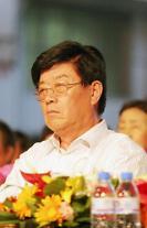 [who?] 맨발로 일군 '제약왕' 쉬징런 中 양쯔강약업 회장 타계
