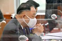 홍남기, 카드 캐시백 예산 삭감 반대 경제 뒷받침 필요
