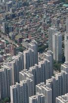 홍남기 고점 경고에도…서울 고가 아파트값 더 더 위로