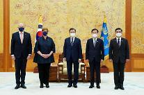 [뉴스분석] 한·호주 외교·국방 회의서도 韓 대중 견제 촉구...부담 커진 줄타기 외교