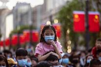 중국 경제, 내수 부진에 발목 잡히나