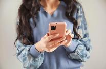 한국인, 넷플릭스·틱톡 이용시간 1년 새 60%↑…한 달간 유튜브 701억분 시청