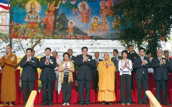 香港宝莲寺迎来浴佛节庆祝佛祖诞辰2552年