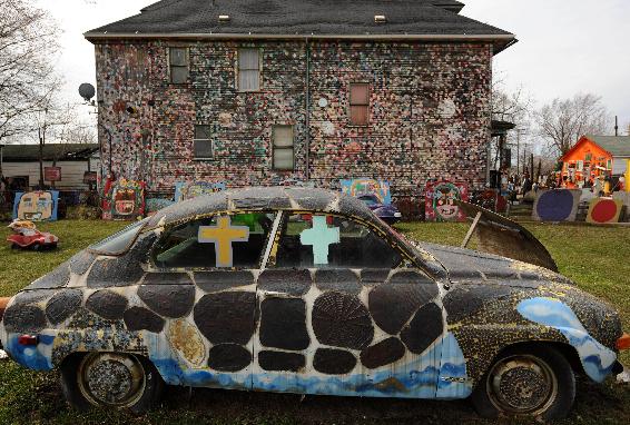 """.底特律的""""破烂""""艺术展."""