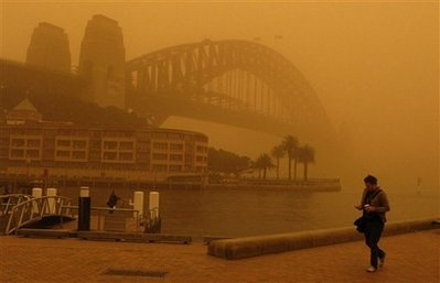 .Sydney Dust Storm; Flight Chaos, Health Worries.